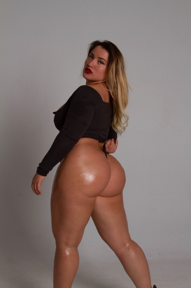 Thick Russian PAWG