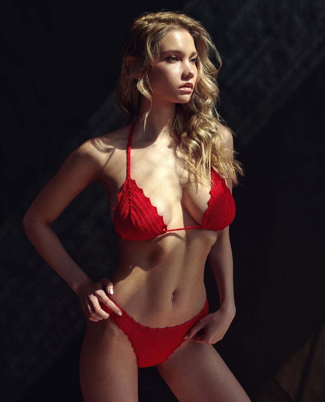 Kristina Romanova ❤
