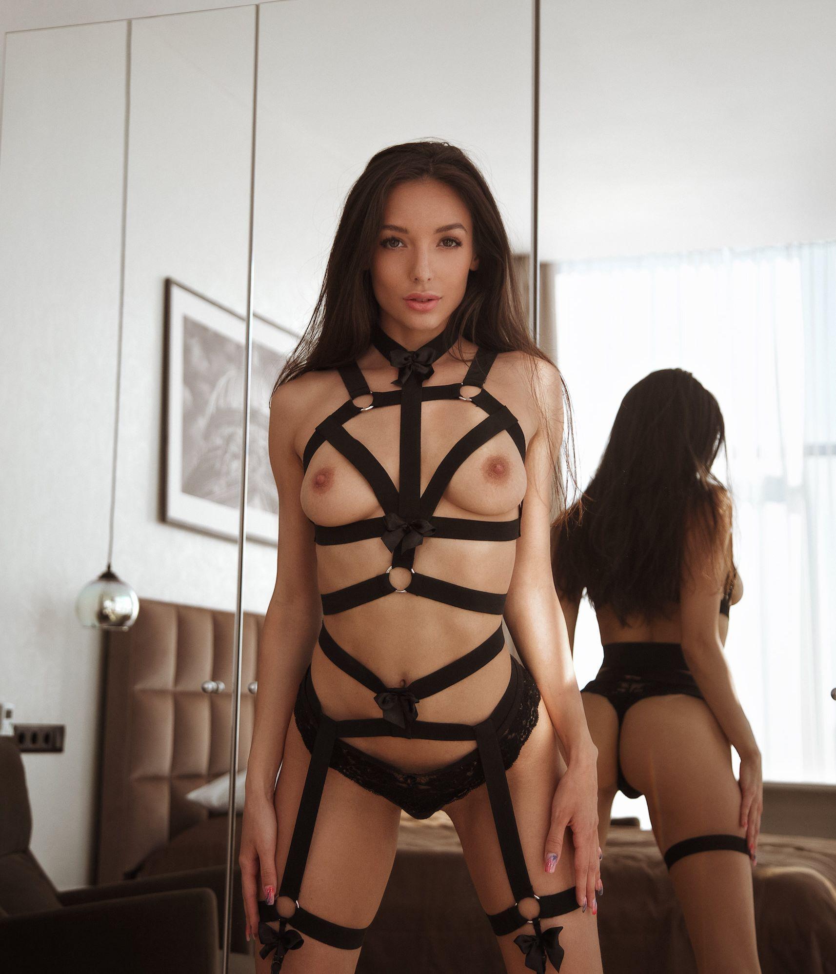 🌸 MONIKA_BLOSSOM🌸 Camgirl , Adult Content Creator