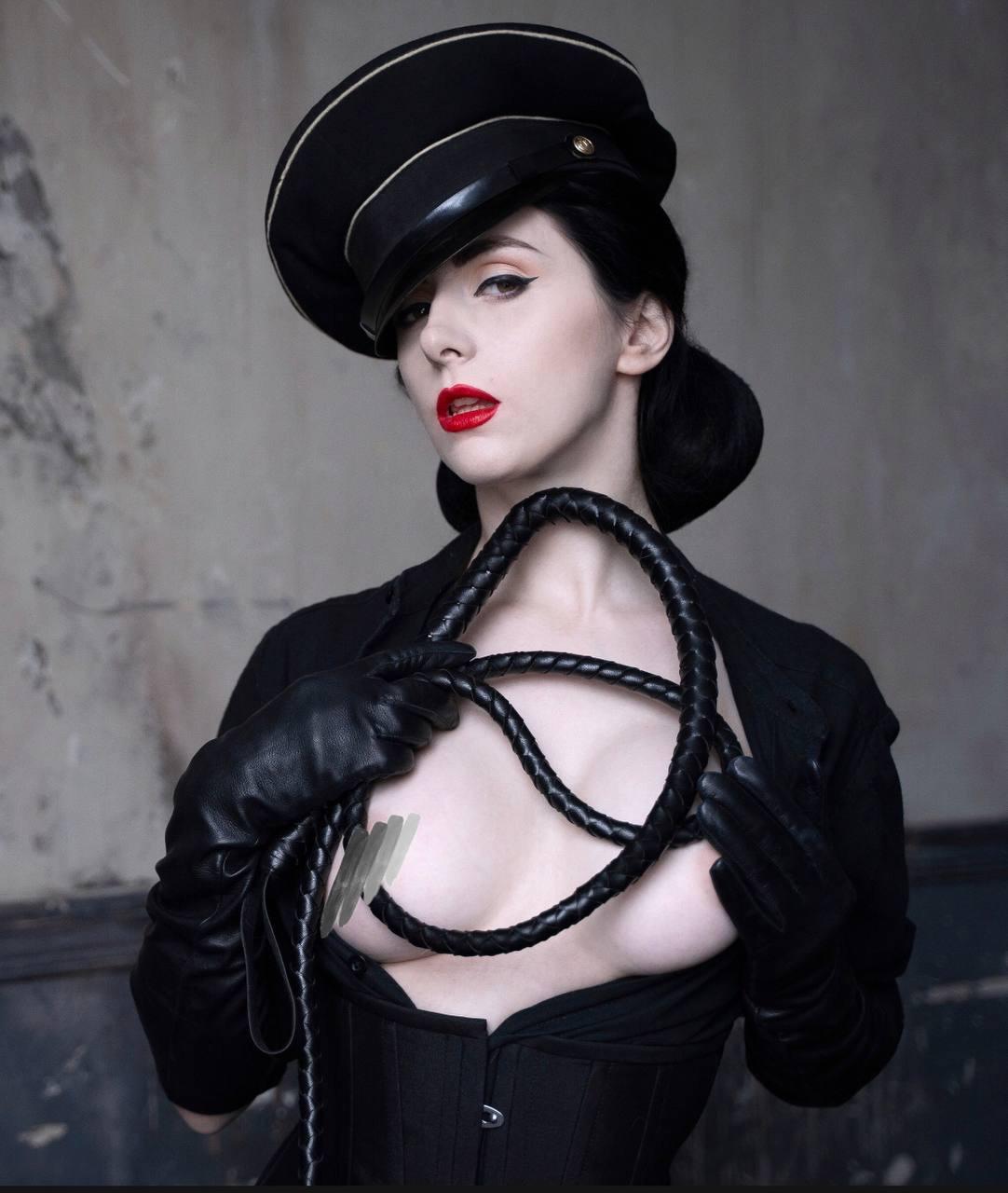 Lady In Black ❤️