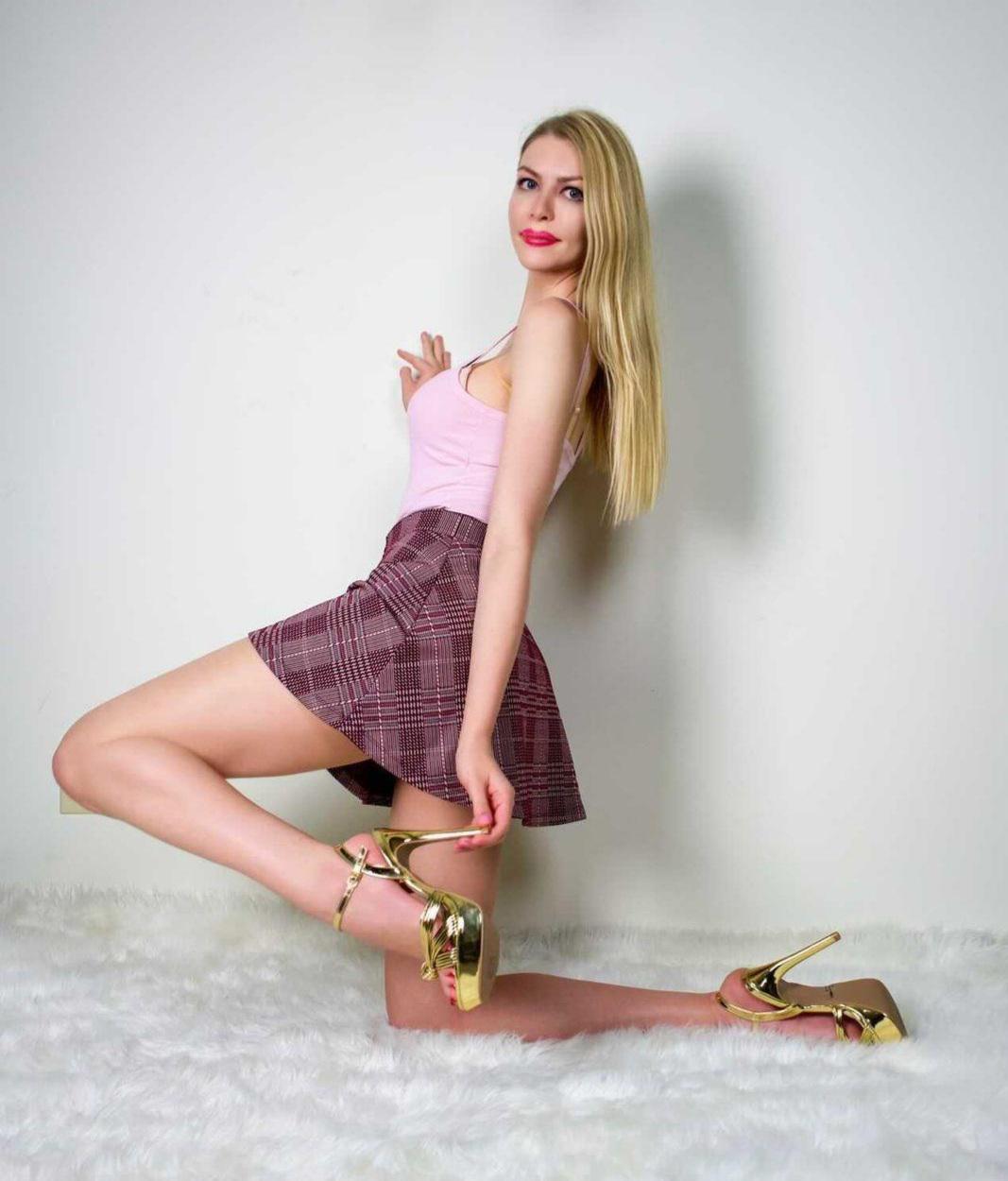 Golden Heels 👠