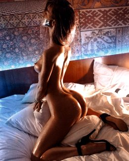 Anna Tsaralunga 15 @tsara.lunga