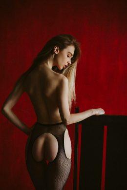 Anna Tsaralunga 8 @tsara.lunga