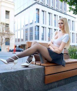 Love White Heels 👠