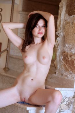 Serena Wood – Staircase